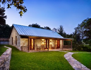 Tas Ev on rustic ranch homes